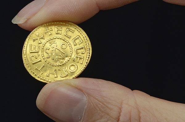 Gold Mancus