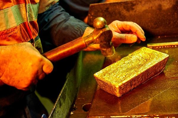 gold smithing hammer